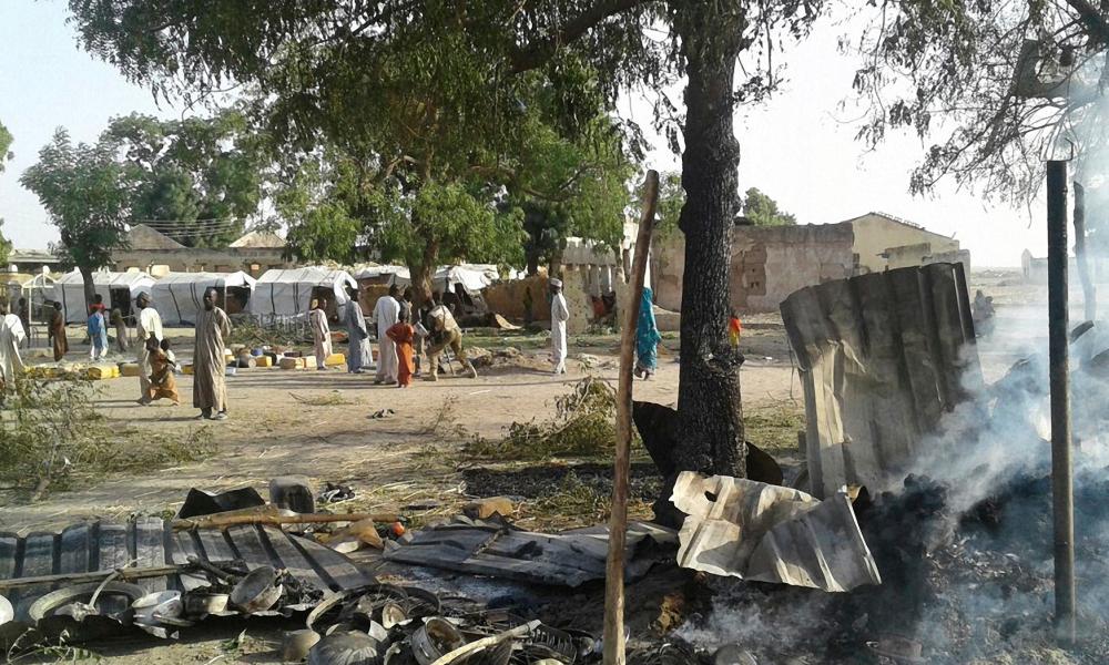Nigeria: l'armée bombarde par erreur un camp de déplacés, au moins 70 morts