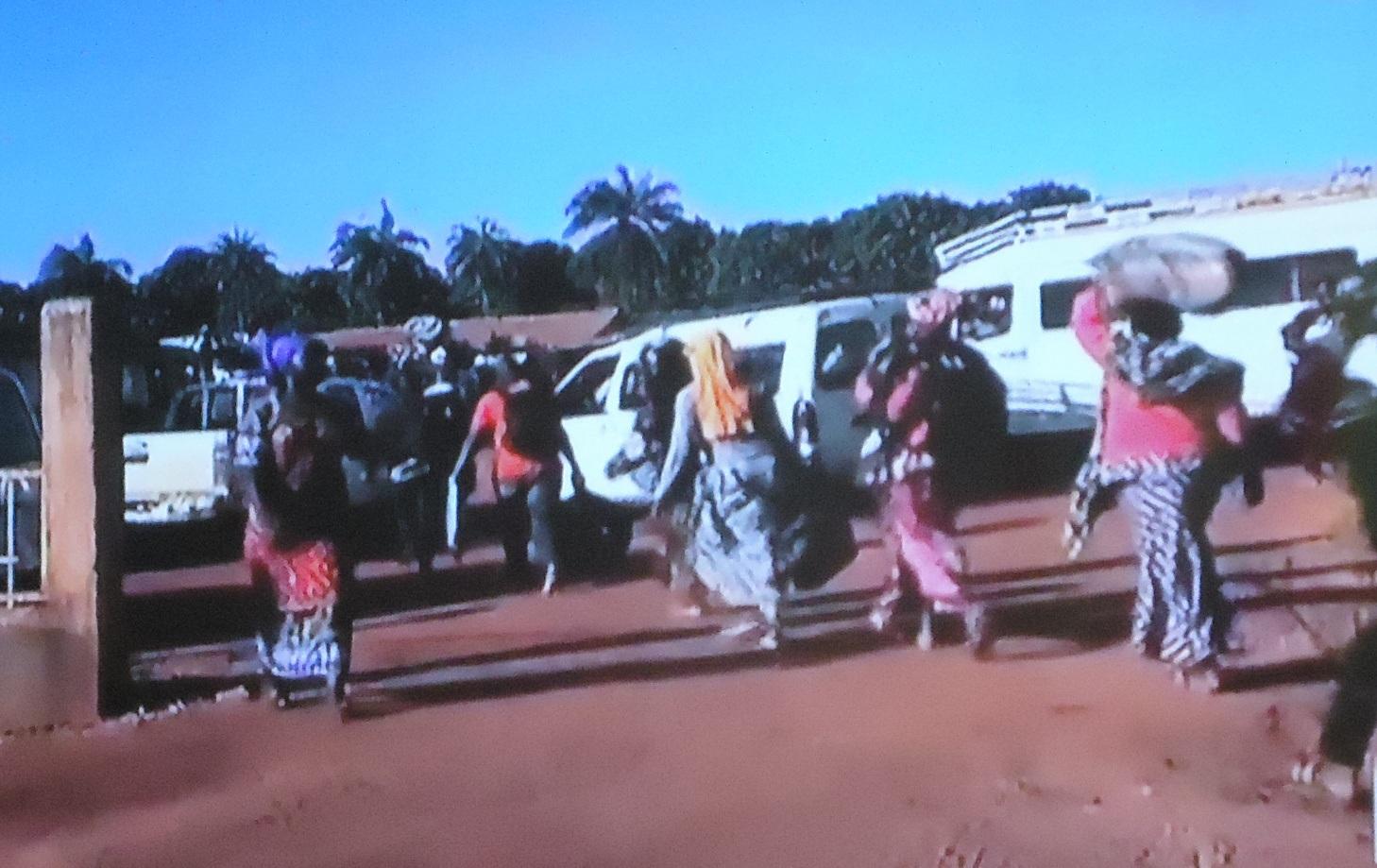 Crise en Gambie : 19 familles dont 51 enfants logées à la Piscine Olympique