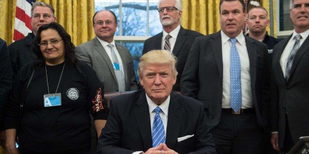 Avortement, libre échange, emploi... En une journée, Donald Trump prend plusieurs décisions radicales