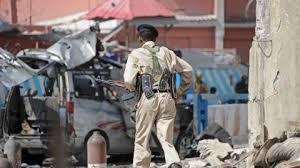 Somalie: une double explosion fait au moins 7 morts près d'un hôtel de Mogadiscio (police)