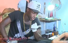 Attentat aux bonnes mœurs : 1 an dont 1 mois ferme et une amende de 1 millions 500 mille francs Cfa pour le célèbre tatoueur, Tico Tatoo