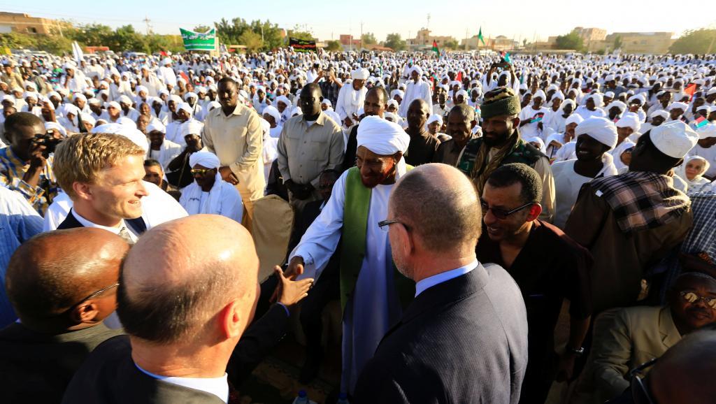 Soudan: quelles sont les raisons du retour de l'opposant Sadek al-Mahdi?