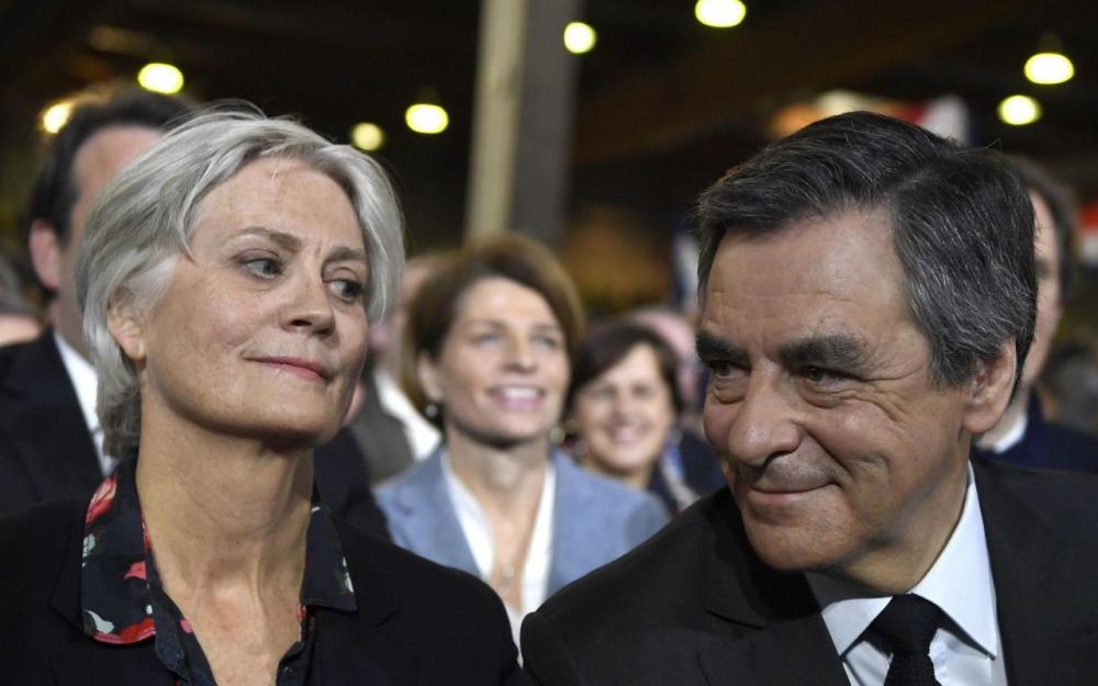 Penelope Fillon aurait reçu 900 000 euros au total, selon « Le Canard Enchaîné »