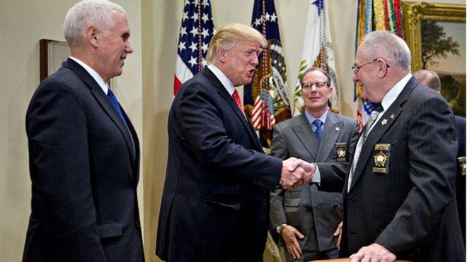 Trump engage la bataille juridique