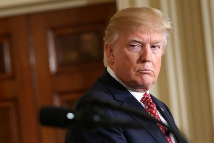 Donald Trump dit envisager un « tout nouveau décret » migratoire
