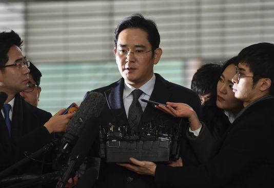 L'héritier de l'empire Samsung arrêté pour corruption