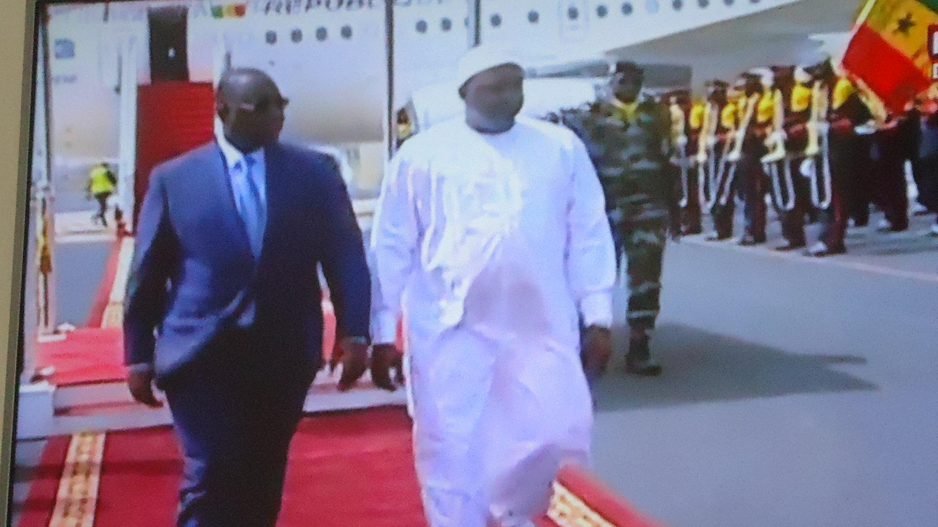 Visite d'Etat: Adama Barrow vient de fouler le sol sénégalais