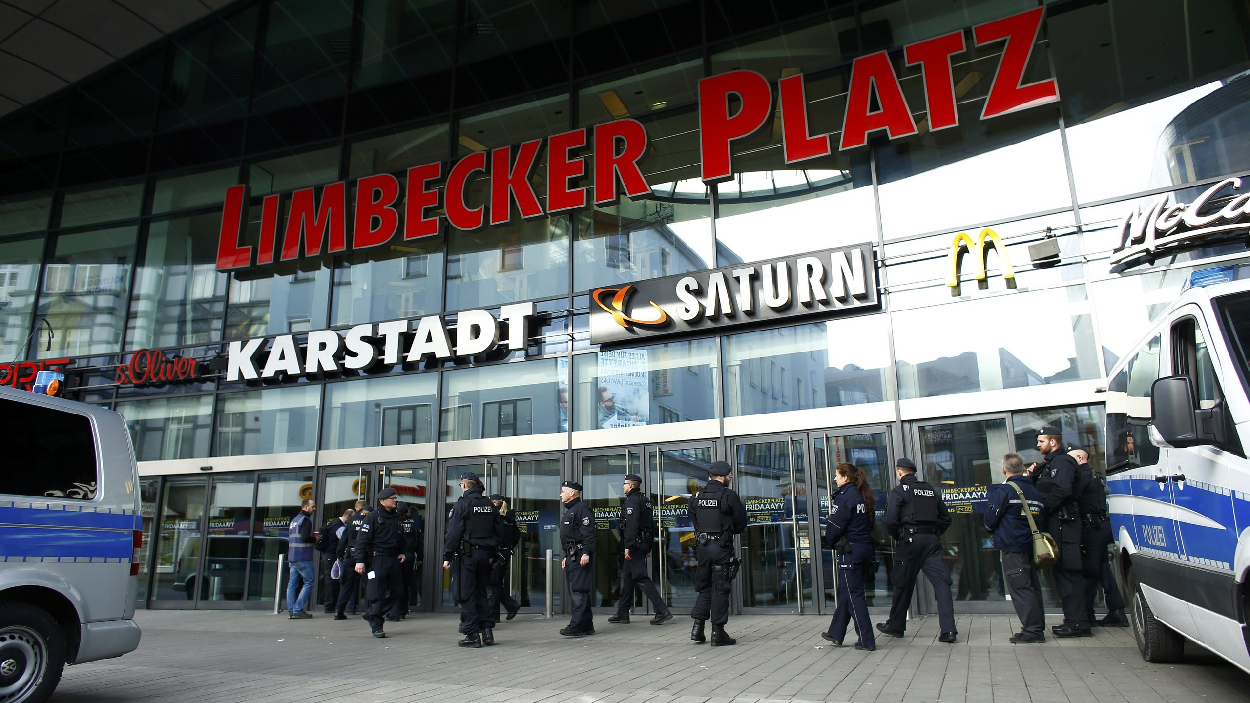 Allemagne: un centre commercial fermé par crainte d'un attentat