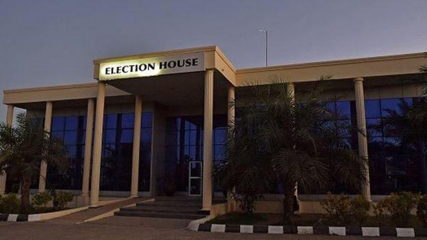Législatives gambiennes: les électeurs se rendent aux urnes le 6 avril