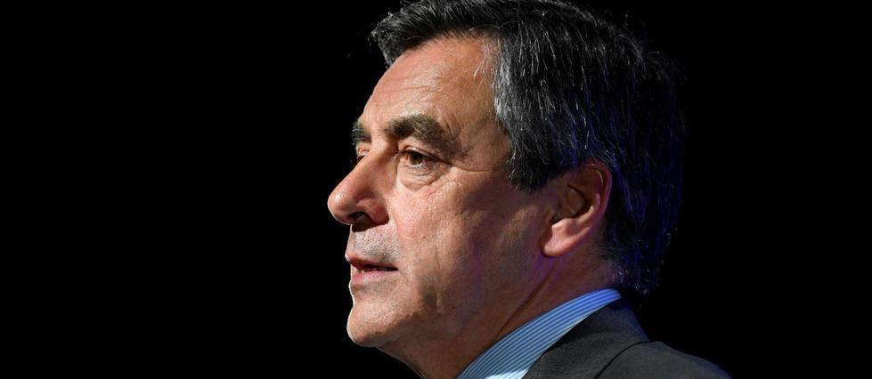 """""""Une volonté pour la France"""" : Fillon change de slogan de campagne"""