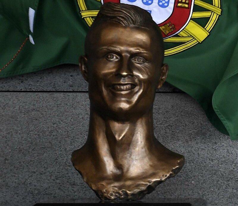Aéroport de Madère: le buste de Ronaldo inauguré aujourd'hui