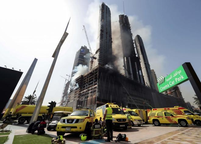 EN IMAGES. Dubaï : impressionnant incendie près de la plus haute tour du monde