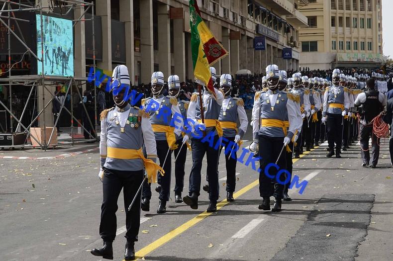 """57ème anniversaire - 4 avril: les """"gardes rouges"""" bouclent le défilé"""