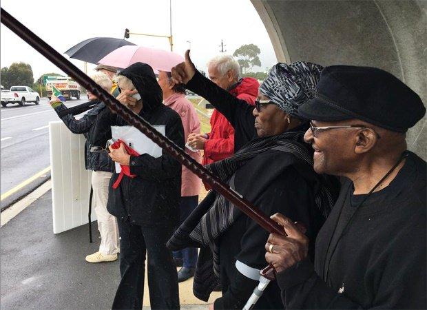 Afrique du Sud : Desmond Tutu se joint aux manifestants anti-Zuma