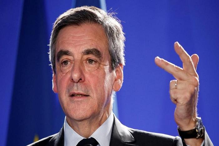 Présidentielle: rassemblement des candidats aux législatives derrière Fillon