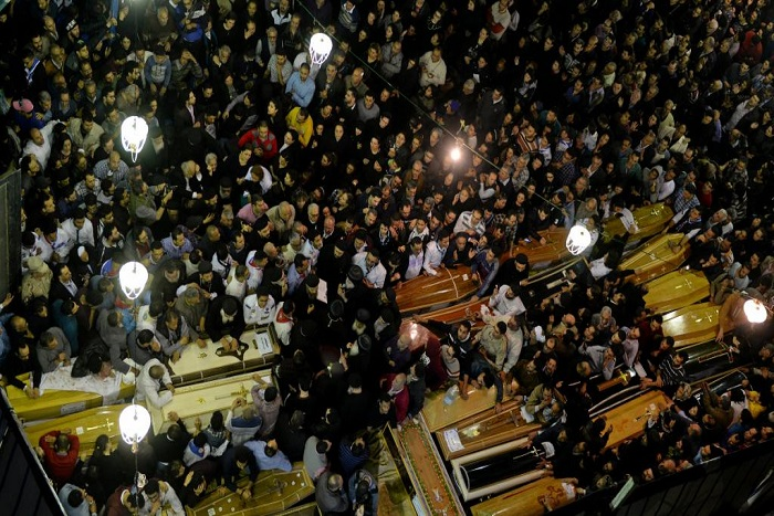 Terrorisme: l'Egypte en état d'urgence, al-Sissi appelle l'armée en renfort