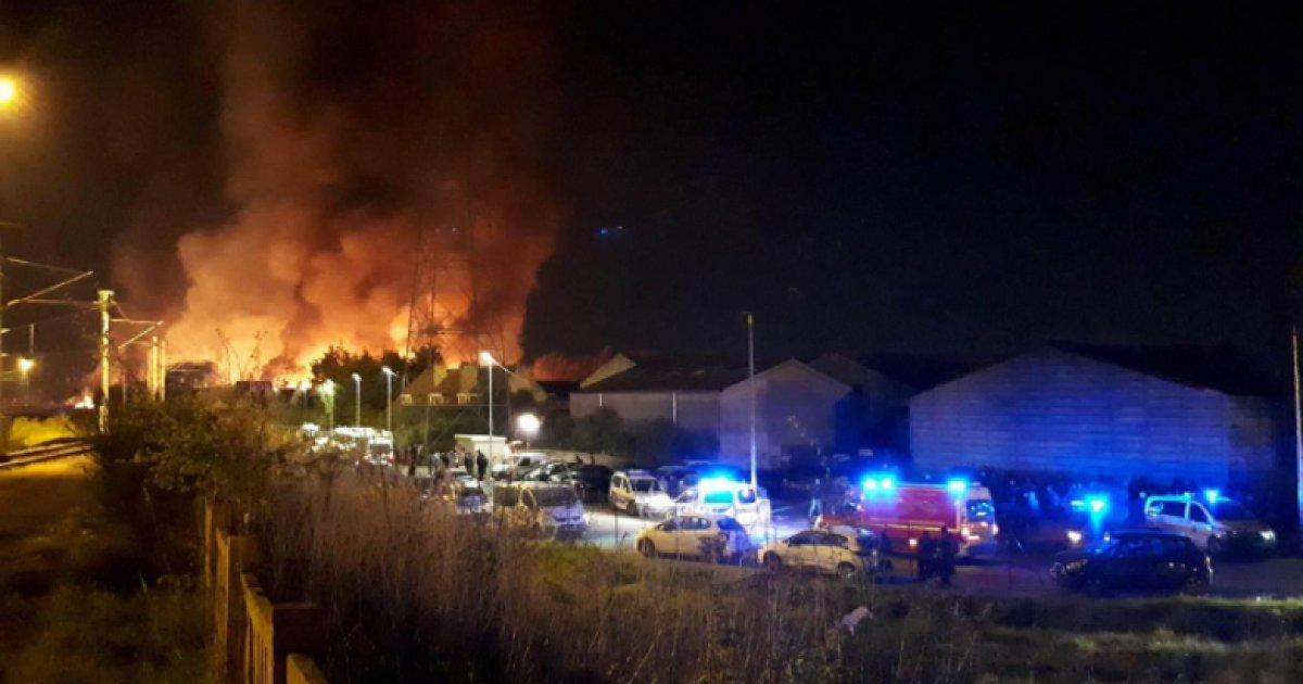 Grande-Synthe: le camp de migrants ravagé par un incendie après une rixe – Plusieurs blessés à déplorer