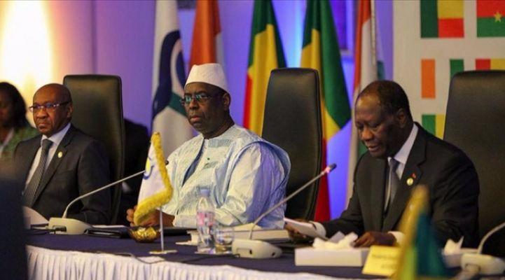 Quand Alassane Ouattara défend « la solidité » du Franc CFA