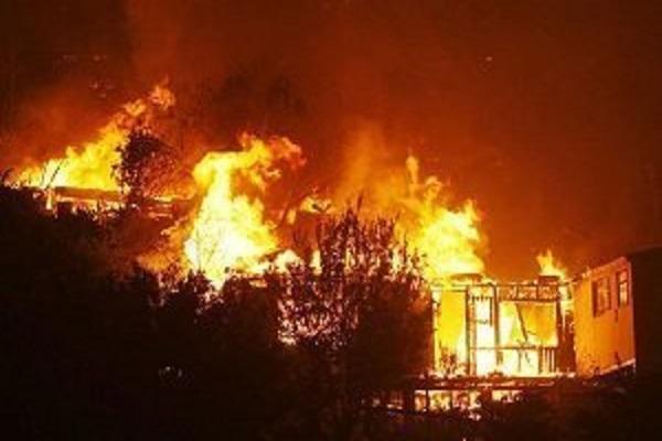 Urgent : Grave incendie au Dakka de Médina Gounass - les sapeurs dépassés