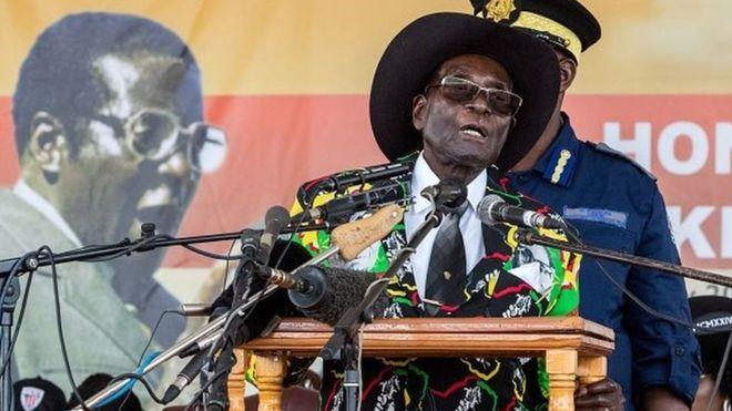 " Mugabe: ""l'ennemi est toujours là"""