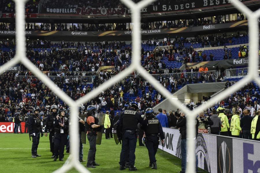 Lyon-Besiktas : les deux clubs suspendus 2 ans avec sursis