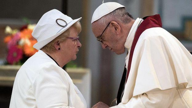 Le pape fustige le traitement des réfugiés