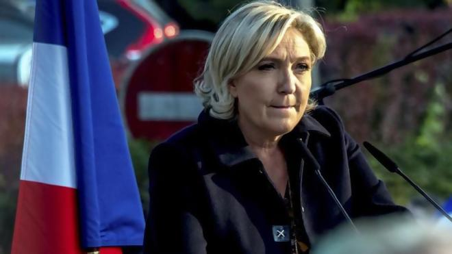 """Pierrette Le Pen, mère de Marine :""""Mes filles ont été élevées dans le racisme...Hitler à la télé elles devaient l'appeler tonton Dolfi"""""""