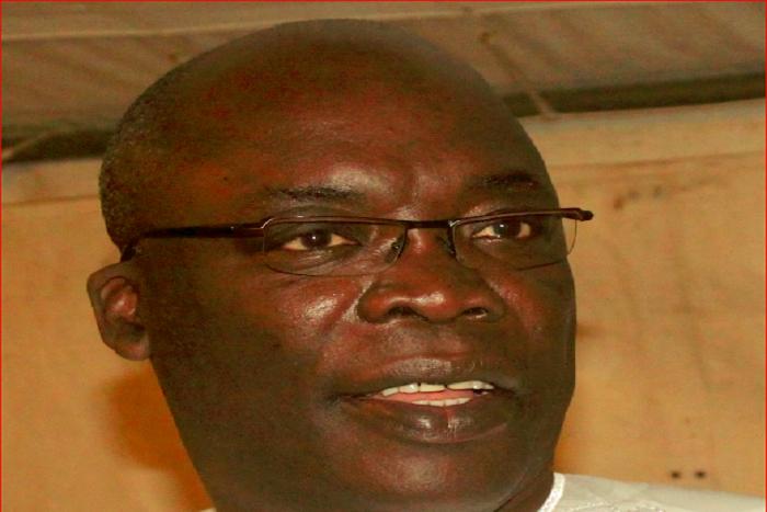 Dr Abdoul Aziz Mbaye : «Si l'opposition se met derrière Me Wade qui ne peut même plus diriger un eprière collective… »