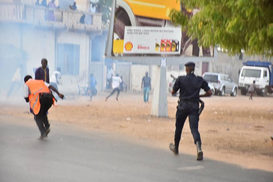 Diourbel: ça a chauffé entre la police, les proches de Khalifa Sall et Manko Taxawu Senegaal, cet après-midi