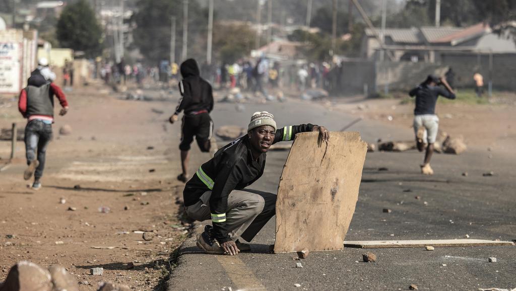 L'Afrique du Sud secouée par des manifestations violentes autour de Johannesburg