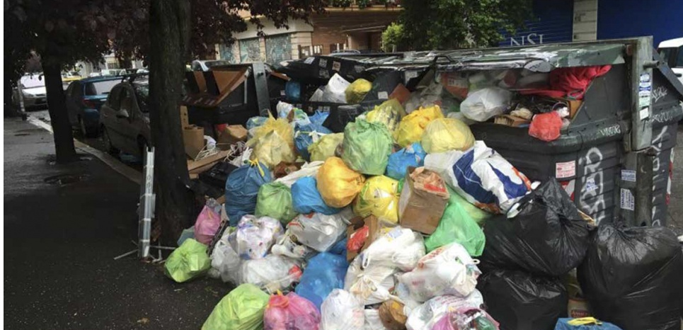 Italie : Rome croule sous les ordures