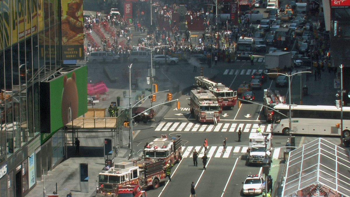 URGENT - USA: Un véhicule fonce sur des piétons dans Times Square à NewYork : Au moins 10 personnes blessées