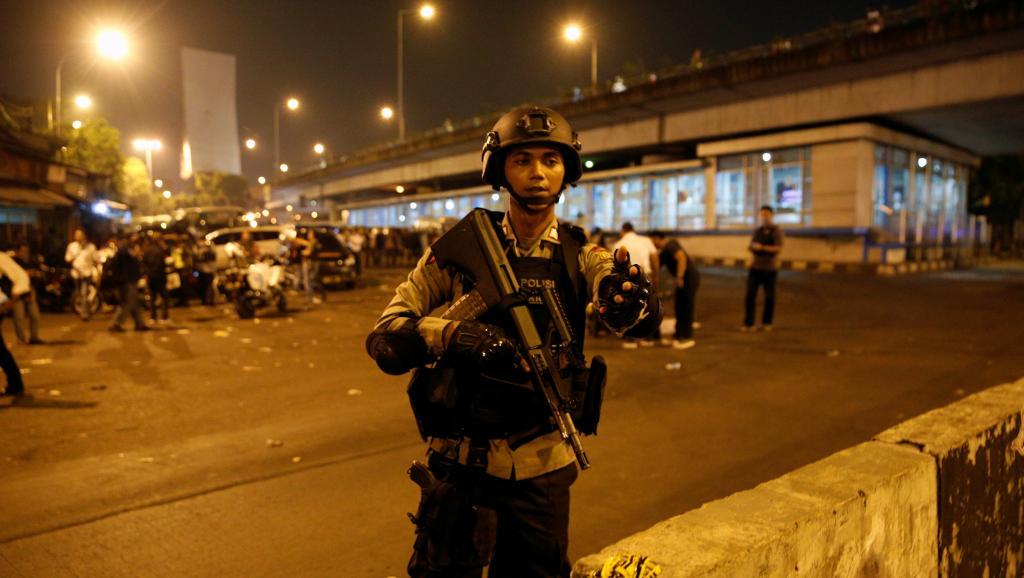 Indonésie: 3 policiers tués dans un attentat-suicide à Jakarta