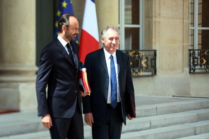 Bayrou répond à Philippe : «Quand il y aura quelque chose à dire aux médias, je le dirai»
