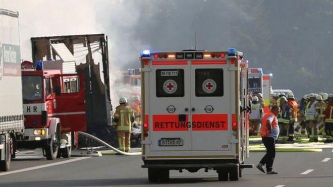 Allemagne: 30 blessés et 18 disparus dans l'incendie d'un bus