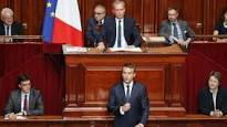 « Un Parlement moins nombreux mais renforcé dans ses moyens permettra un travail plus fluide », Emmanuel Macron
