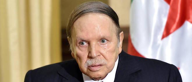 Algérie: Bouteflika presse Paris de reconnaître les crimes de la colonisation