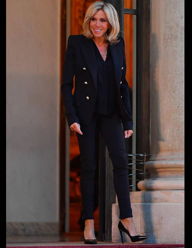 Brigitte Macron : « On me parle sans arrêt de la manière dont je suis habillée »