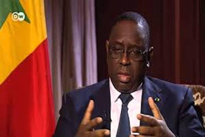 """Fuites au Bac : Macky Sall promet de """"sévères sanctions"""""""