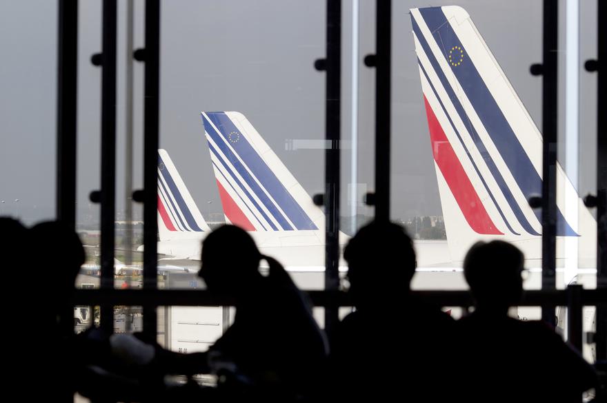 Paris : 100 policiers en renfort dans les aéroports pour faire face à la grogne