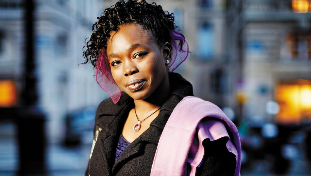 « Le ventre de l'Atlantique » de Fatou Diome (Sénégal/France) sera présenté le 20 juillet lors de la 5e édition des lectures RFI « Ça va, ça va le monde ! » au Festival d'Avignon dans le Jardin de la rue de Mons. Léa Crespi / Flammarion