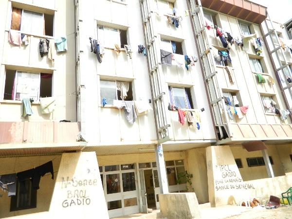 Urgent - Drame à l'UCAD: Une étudiante tombe du 4e étage