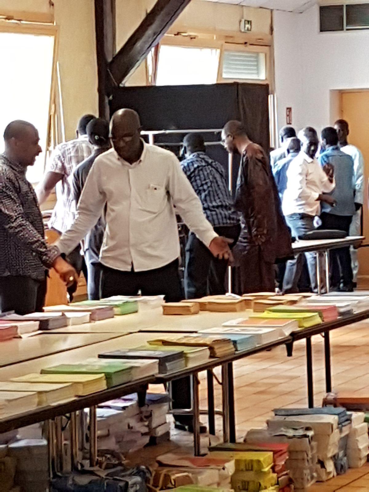 Premier Couac à Lyon : Un isoloir pour 6 bureaux de vote