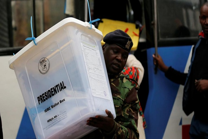 Elections au Kenya: Kenyatta donné en tête, Odinga juge les résultats «fictifs»
