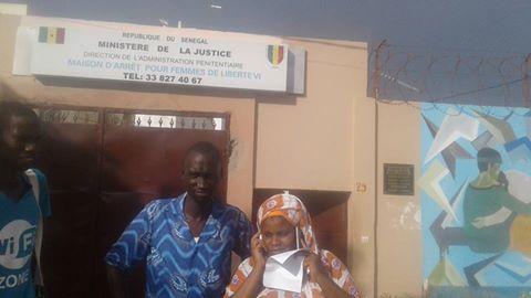 Les premières images de la sortie de prison de Ouleye Mané