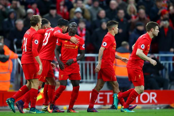 Sadio Mané et Liverpool renversent Watford en début de deuxième mi-temps