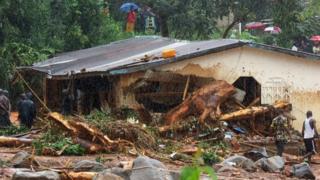 Sierra Leone : une centaine d'enfants emportés par les inondations