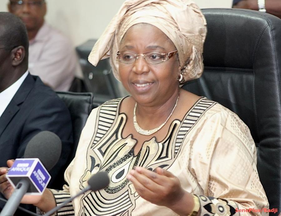 Urgent : Awa  Marie Coll Seck nommée Ministre d'Etat auprès du président de la République