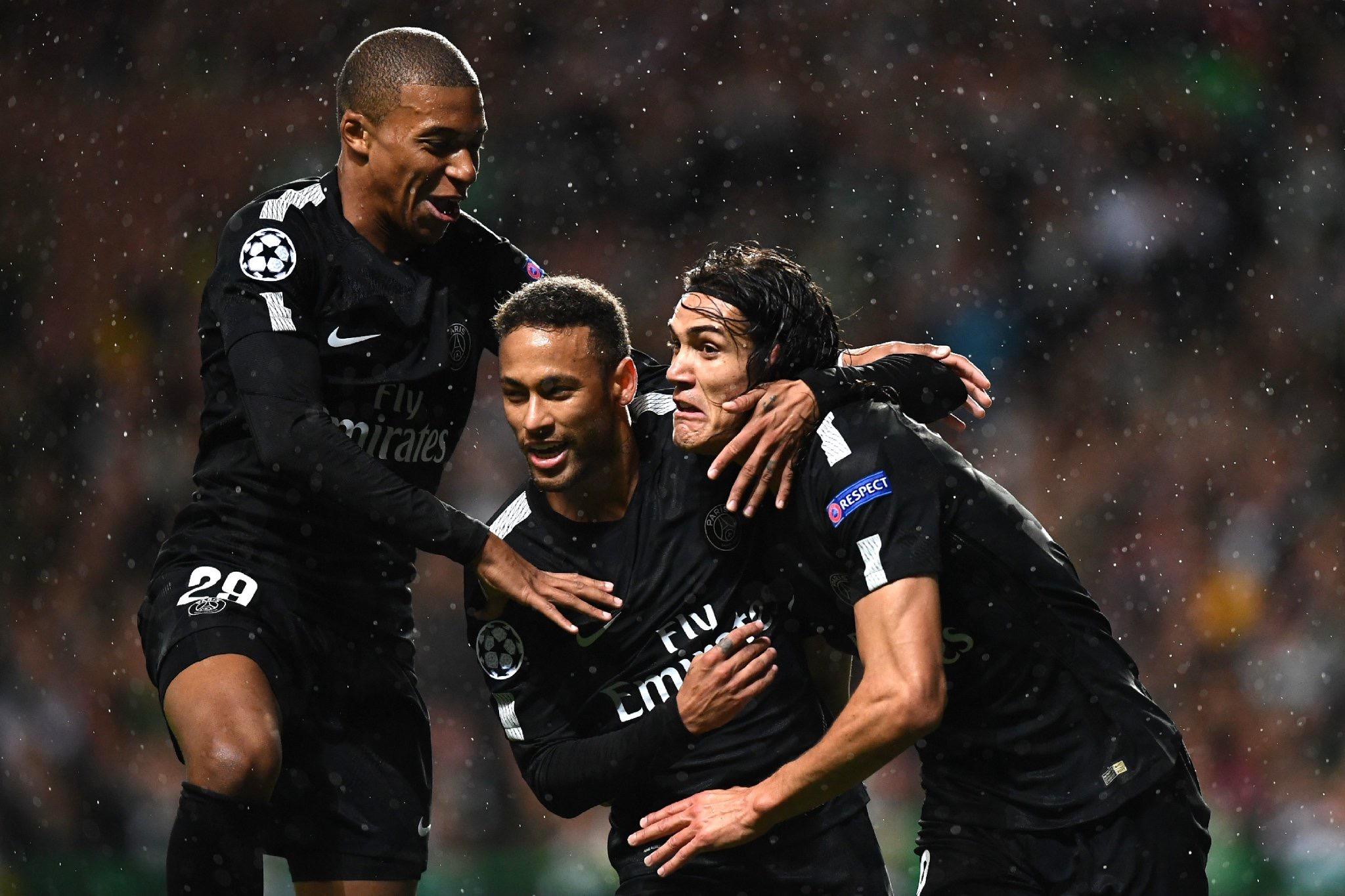 Première journée Ligue des Champions : (1ère mi-temps) Neymar Mbappé et Cavani donnent de l'avantage au Psg