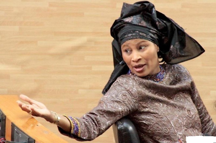 """Me Aissata Tall Sall en direct de l'Assemblée nationale : """"Je suis prête intégrer tout bon groupe parlementaire sauf celui de Bby"""""""